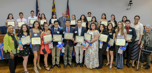 Hispanic Seniors Recognized for Academics, Community Service